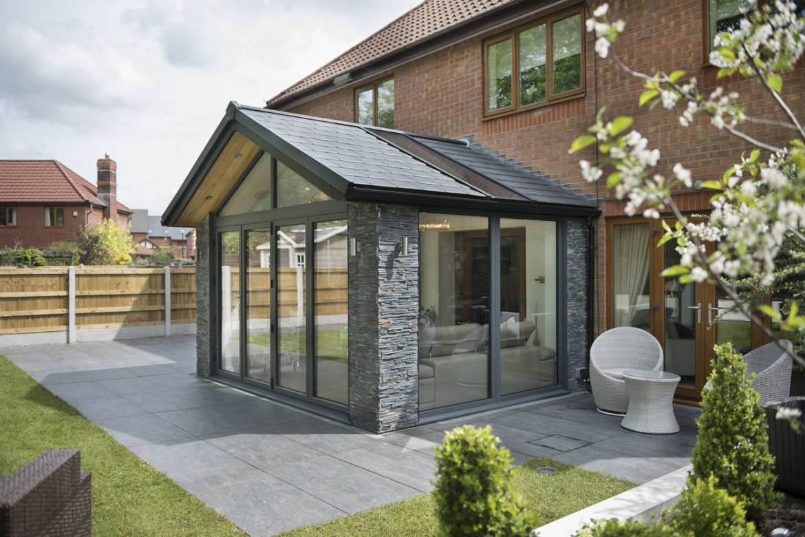 Photo of house extension with WARMroof
